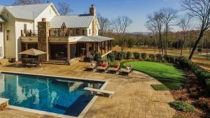 Back to the Roots: Miley Cyrus' Country Mansion